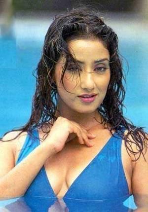 These photos of Manisha are super hot in bikini with massive cleavage show.